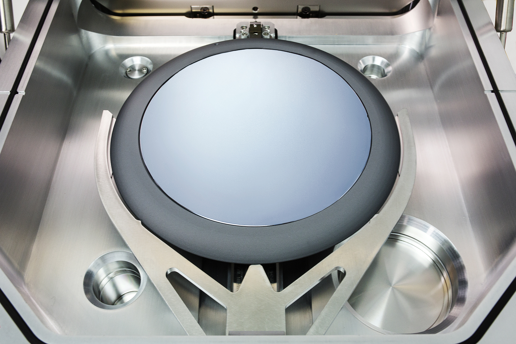 187 Veeco S Single Wafer Mocvd System Used To Speed Gan
