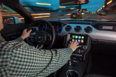 AppleCarplay_8195_HR_1