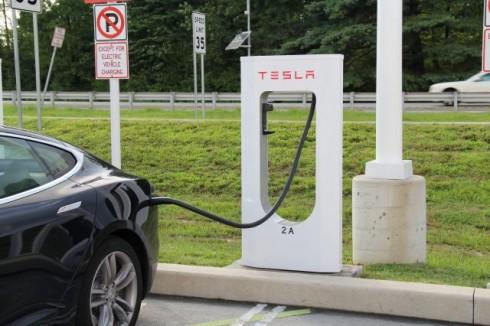tesla-charging-station-640x426