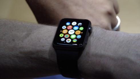 440734-apple-watch-hands-on
